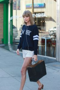 Taylor Swift goes shopping in Studio City.
