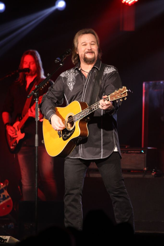 Travis Tritt performs live at the Valley Forge Music Fair